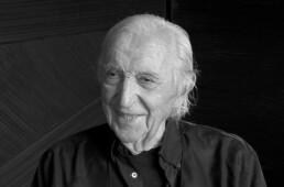 Portrait de Pierre Soulages artiste peintre contemporain