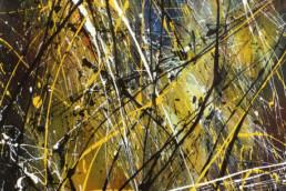 projections acryliques colorées façon dripping Jackson Pollock sur fond brossé en couleurs jaune et noir